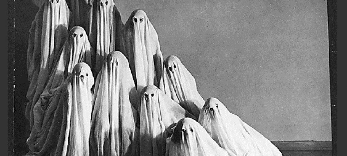 Страховити винтидж Хелоуин костюми